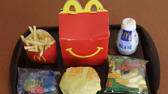 Chile Bans Toys in Fast Food to Attack Child Obesity