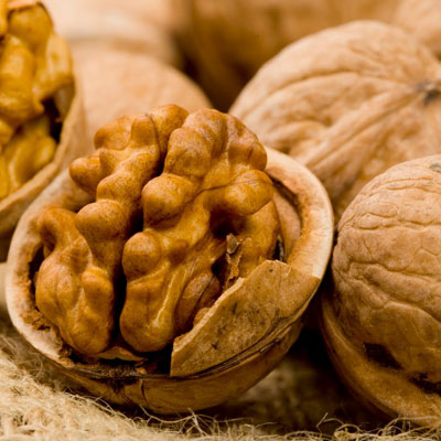 Walnuts Dramatically Cut The Risk Of Heart Attack